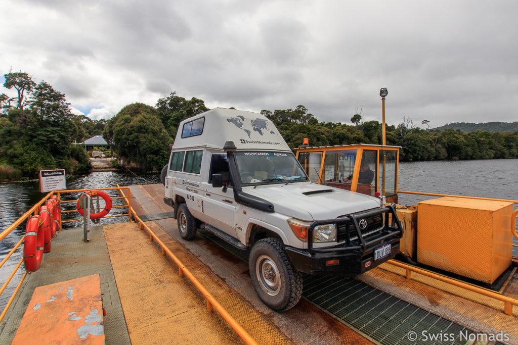 Auf der Fähre bei Corinna auf unserem Tasmanien Roadtrip