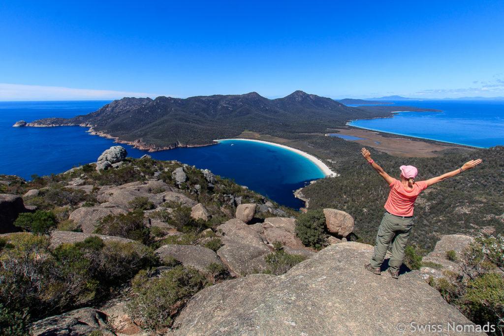 Die Wineglass Bay ist eine der Top 10 Tasmanien Sehenswürdigkeiten