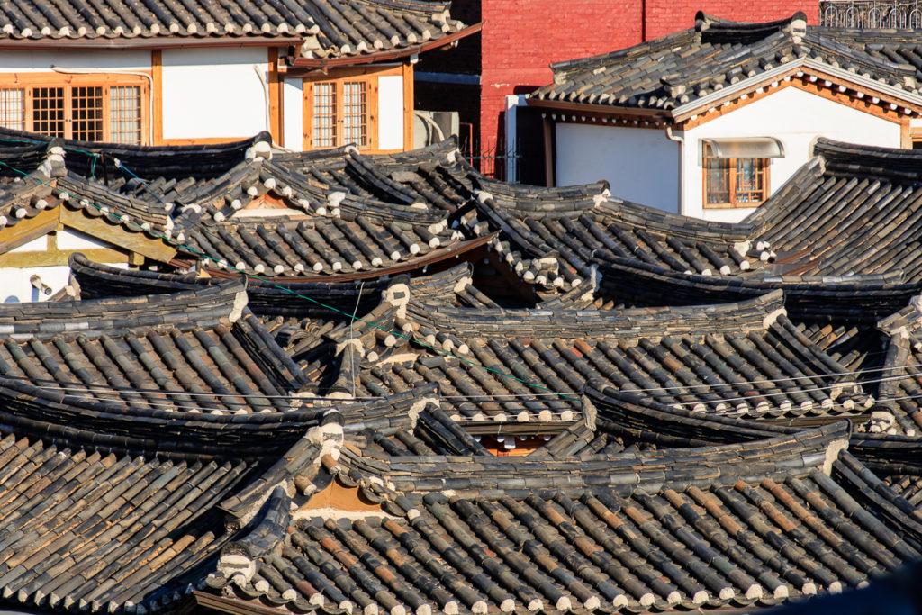 Dächer des Buckchon Hanok Village in Seoul