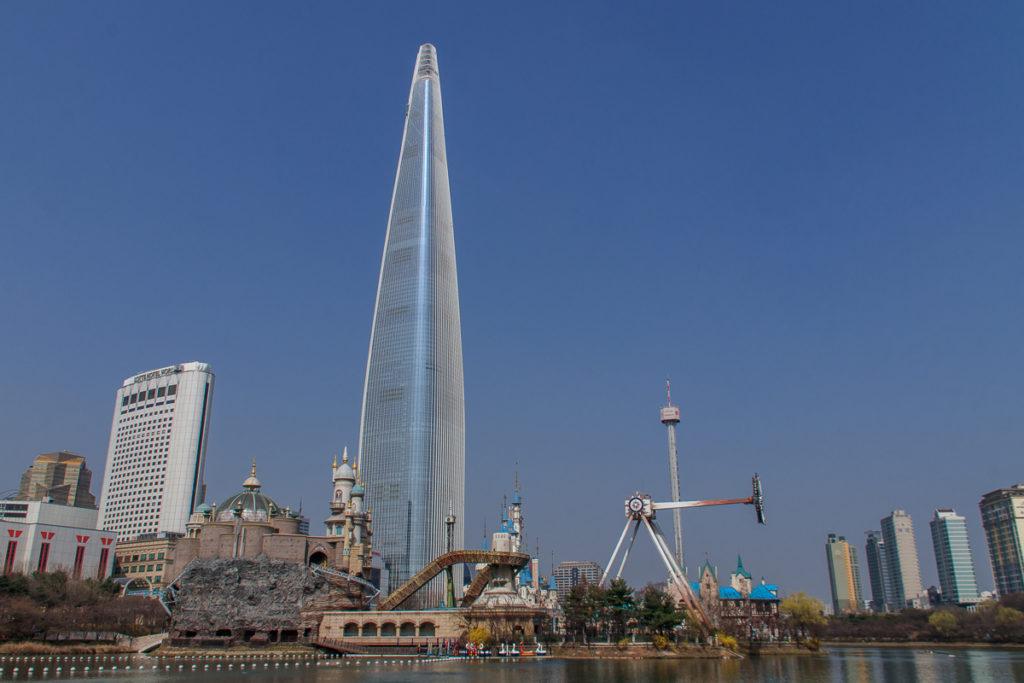 Der Lotte World Tower ist die höchste Sehenswürdigkeit in Seoul