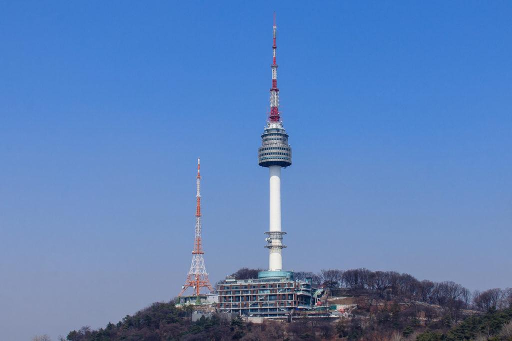 Der Namsan Seoul Tower ist eine der beliebtesten Sehenswürdigkeiten in Seoul