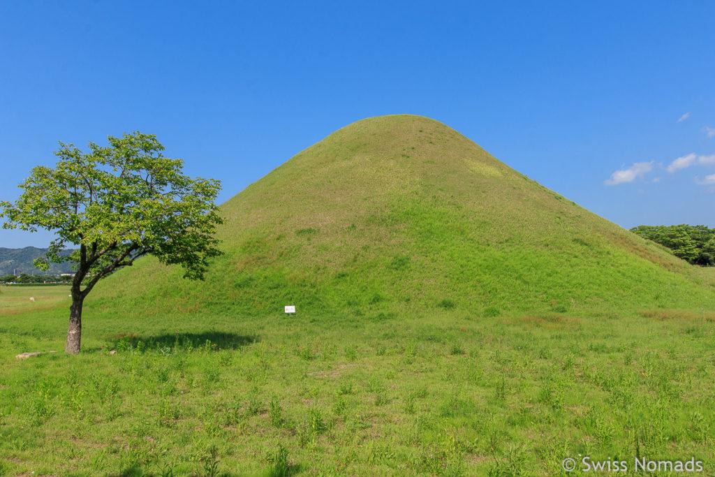 Die Erdhügel der Königs Gräber in Gyeongju