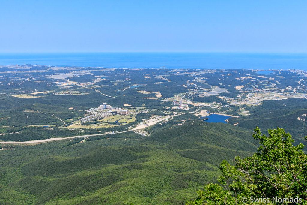 Die Aussicht von Ulsanbawi im Seoraksan Nationalpark über Sokcho