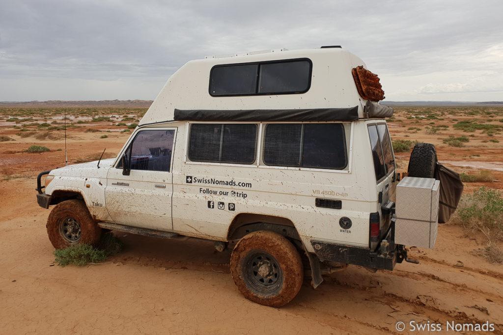 Aus dem Schlamm gezogen in der Gobi Wüste