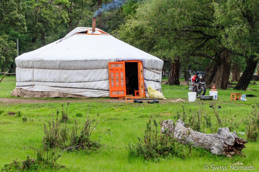 Unsere ersten Eindrücke aus der Mongolei Jurte