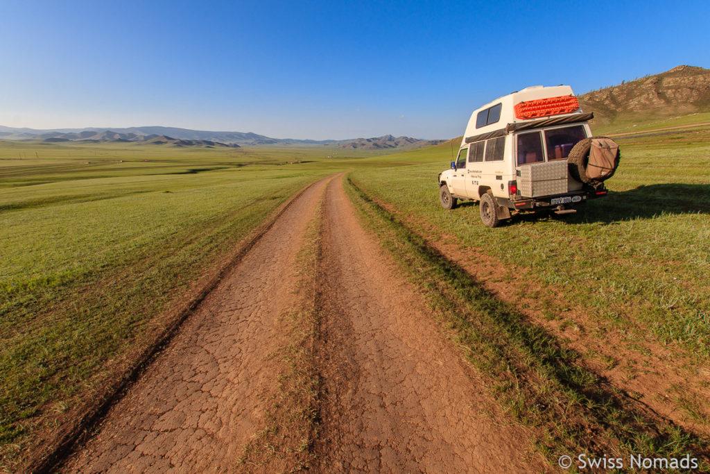 Typische Strasse in der Mongolei