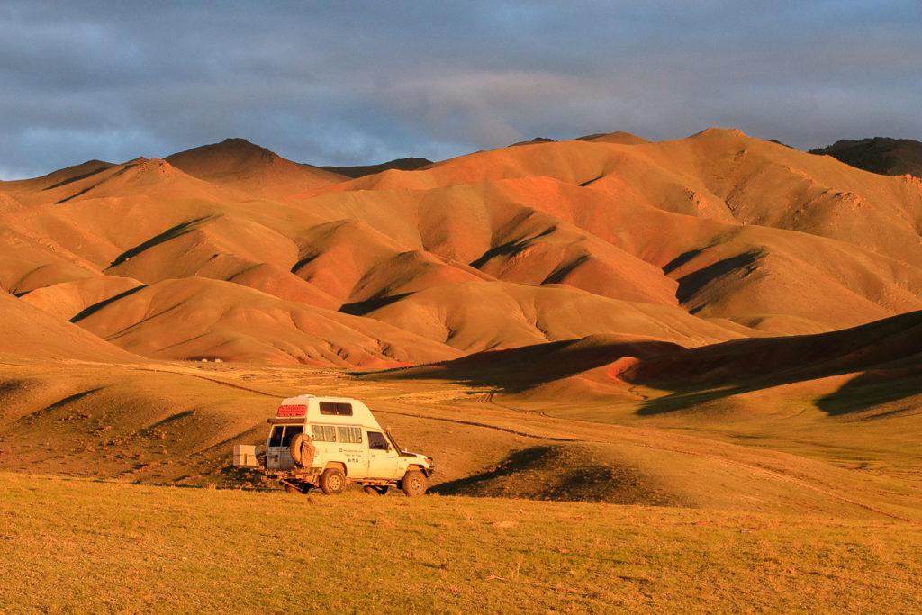 Camp an einem schönen Ort im Altai Gebirge der Mongolei