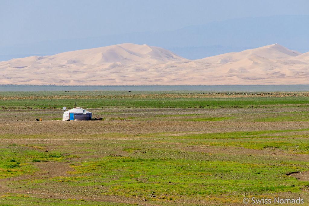 Die wunderschönen Khongoryn Els Sanddünen in der Mongolei