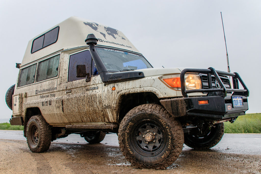 Offroad durch den Schlamm zu den schönste Orte der Mongolei
