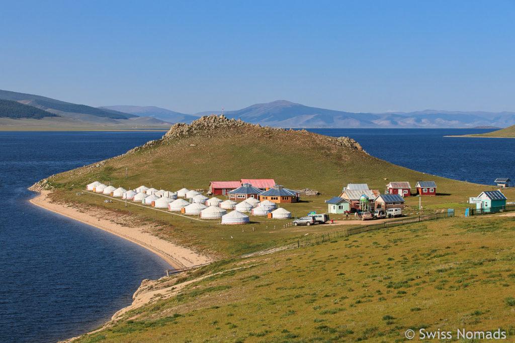 Der See Terkhiin Tsagaan Nuur ist einer der schönsten Ort in der Mongolei