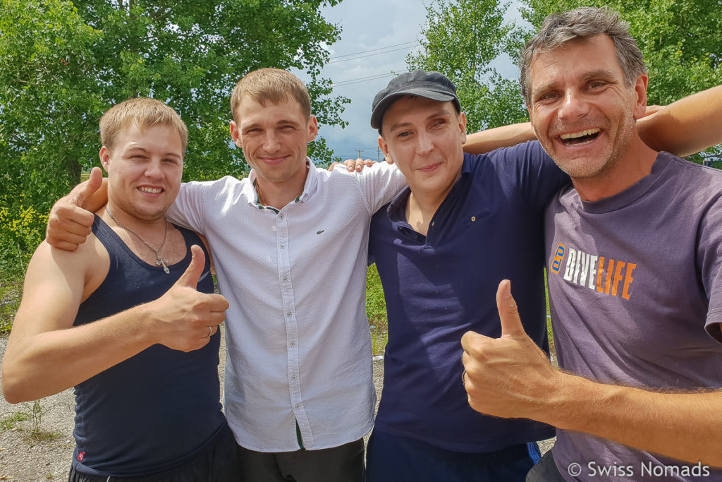 Neue Freunde auf dem Russland Roadtrip von Wladiwostok zum Baikalsee