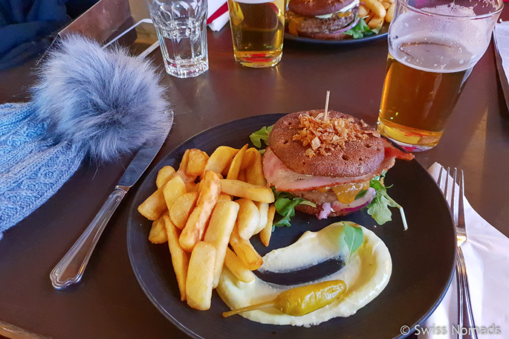 Burger im Restaurant F-Hoone Tallinn