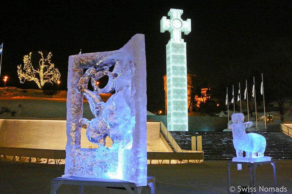 Eisskulptur am Freiheitsplatz in Tallinn