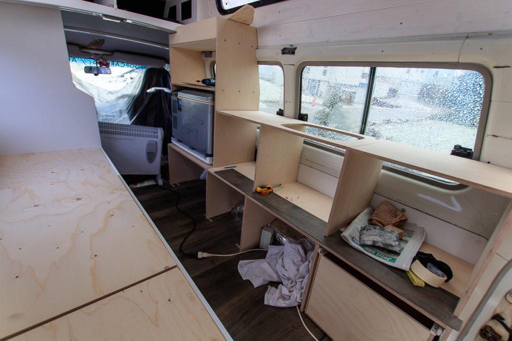 Camper Möbel Bau für die Küche