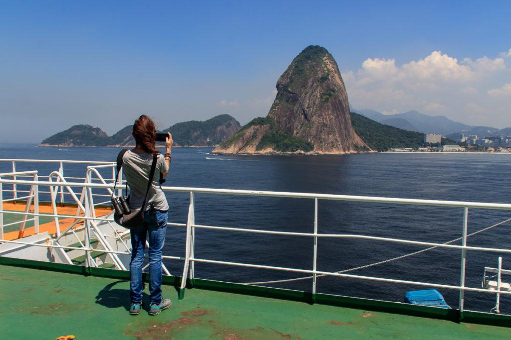 Rio de Janeiro mit dem Frachtschiff Grande Africa
