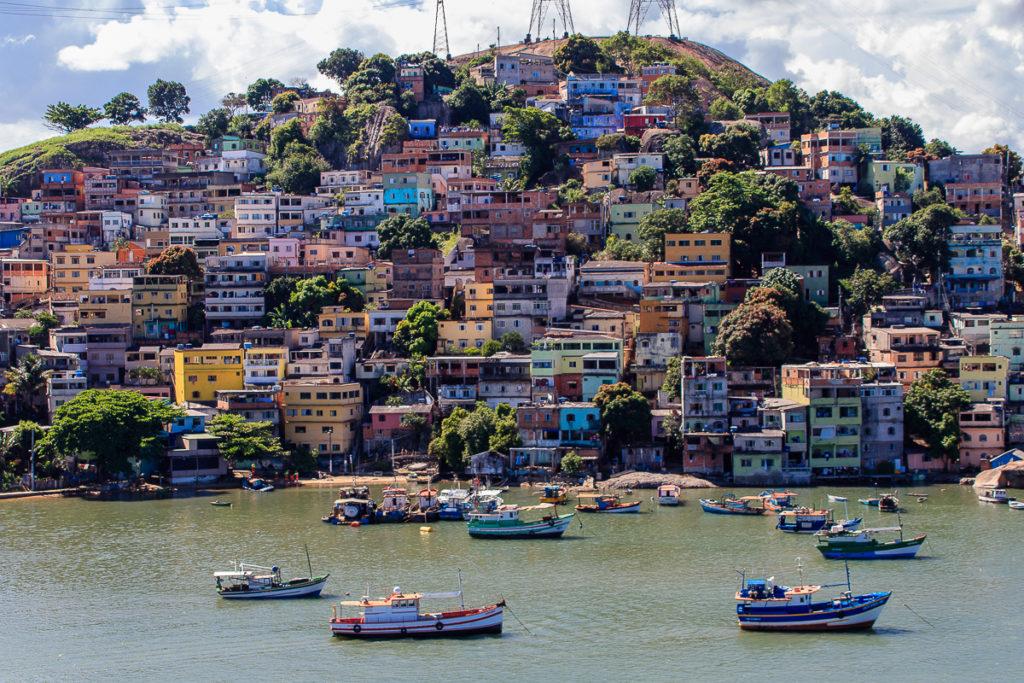 Stopp in Vitoria Frachtschiffreise von Europa nach Südamerika