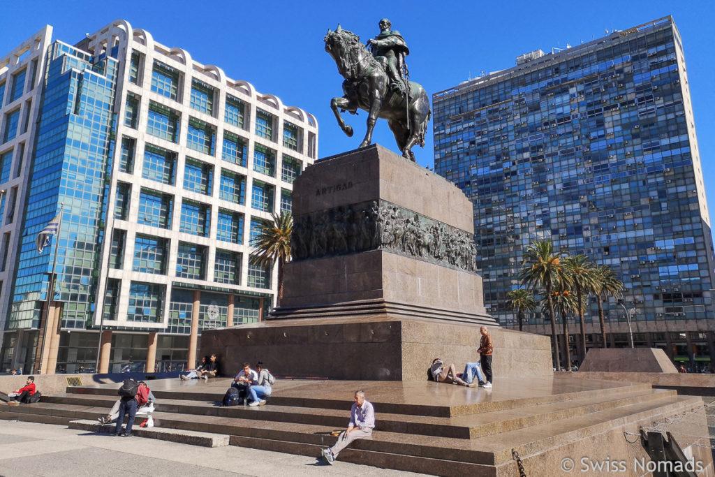 Artigas Statue und Mausoleum in Montevideo