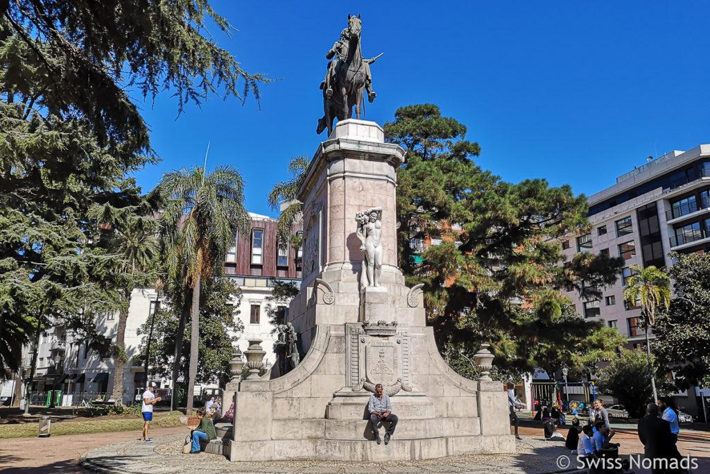Plaza Zabala in Montevideo