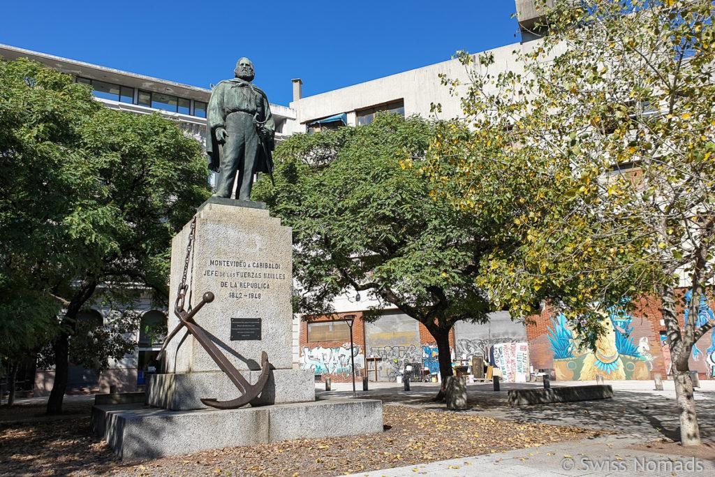 Statue Jose Garibaldi in Montevideo