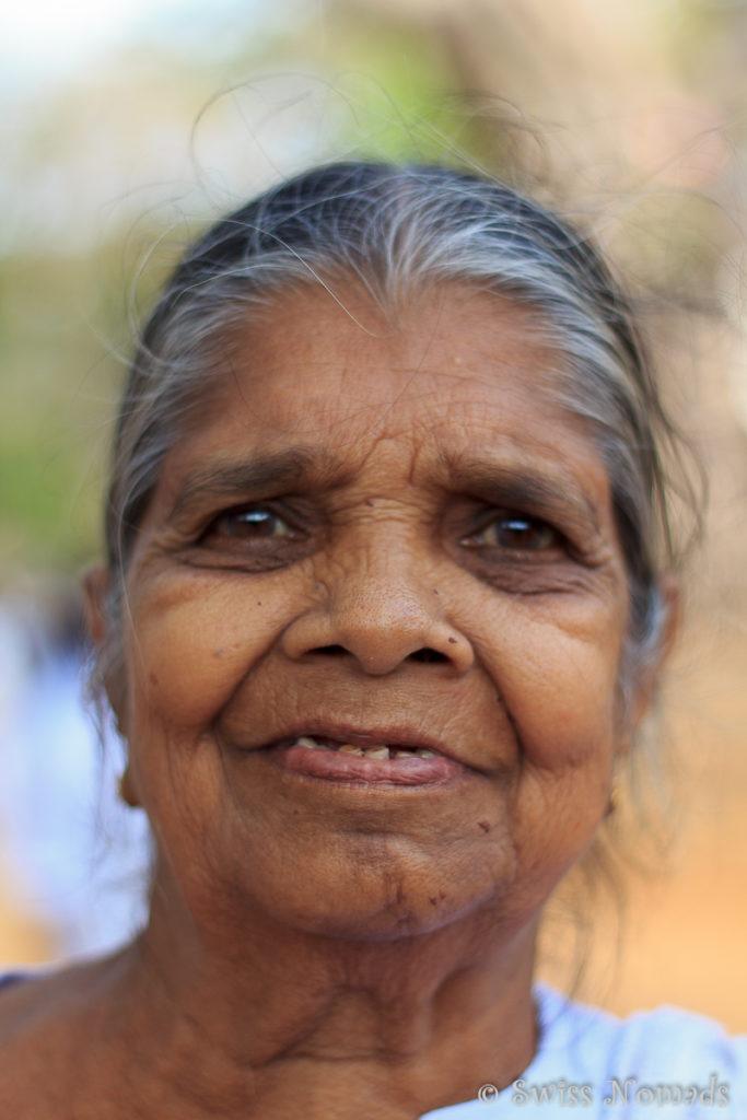 Anradhapura Sri Maha Bodhi Tree Frau
