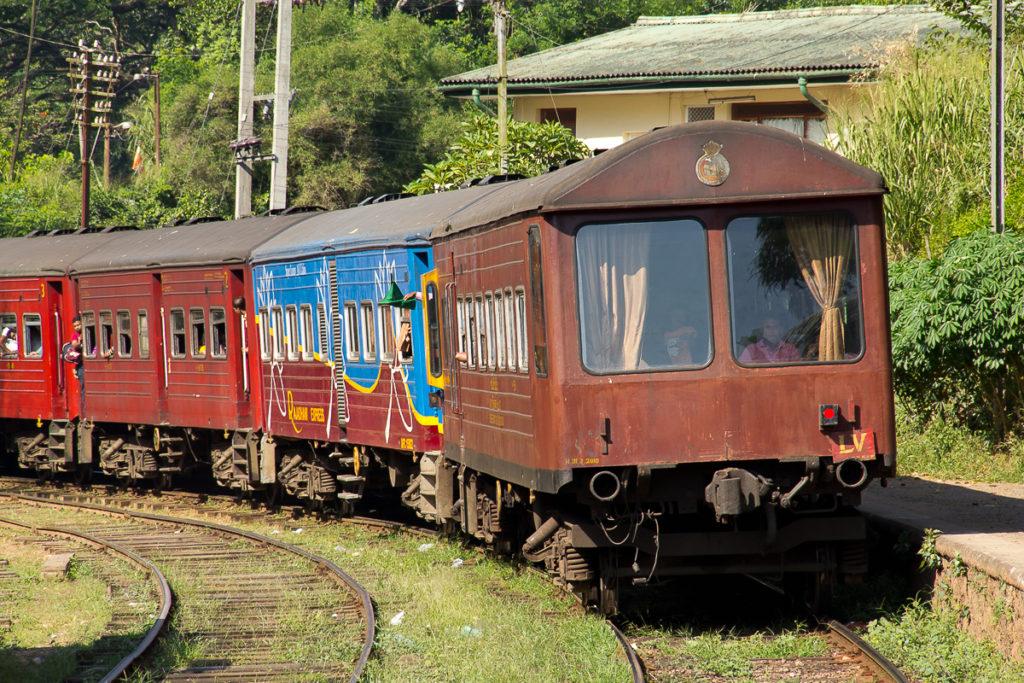 Bahnfahrt Teeplantagen Nuwara Eliya