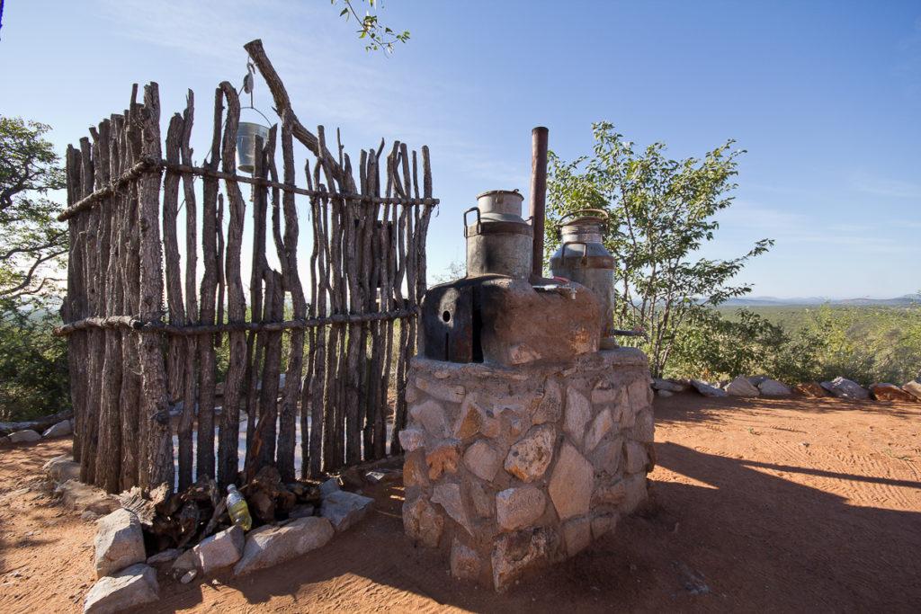 Dusche auf dem Camp der Gästefarm Bambatsi