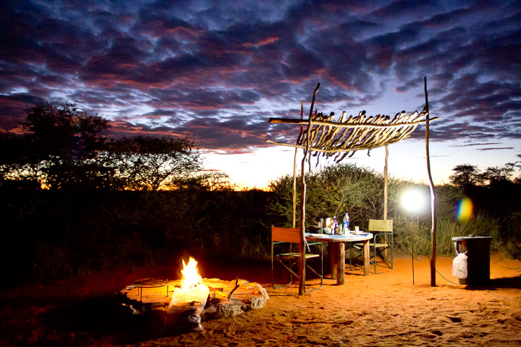Lagerfeuer im Red Dune Camp