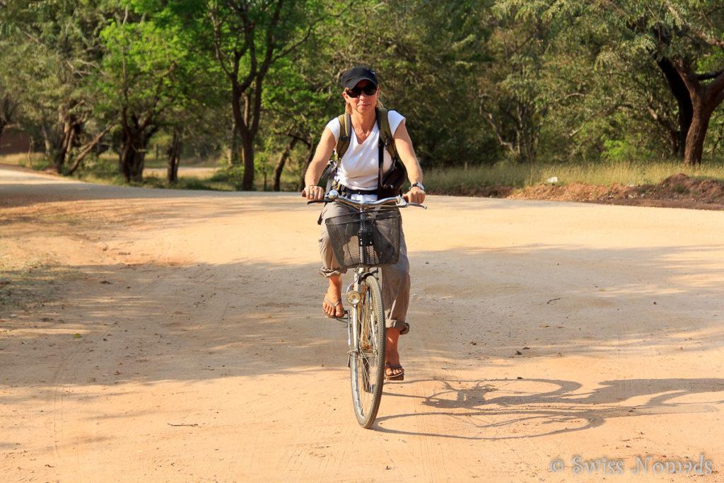 Sehenswürdigkeiten Polonnaruwa Fahrrad