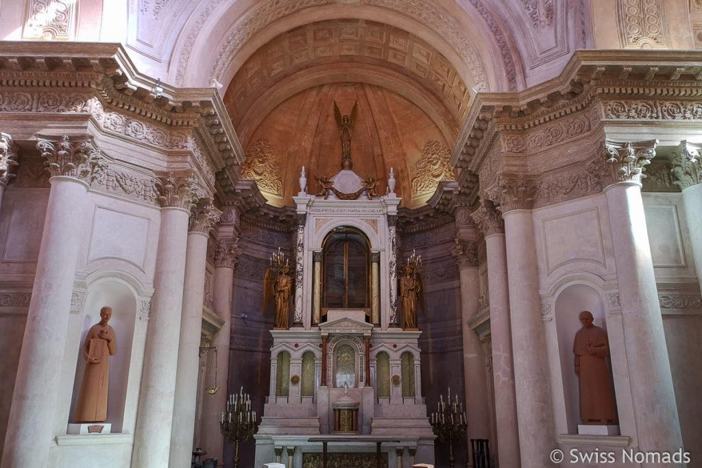 Altar im Panteon de los Heros