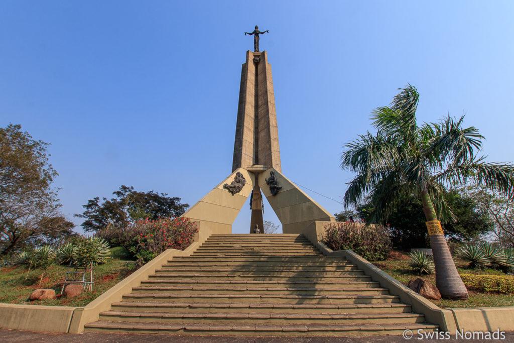 Monument auf dem Cerro Lambare