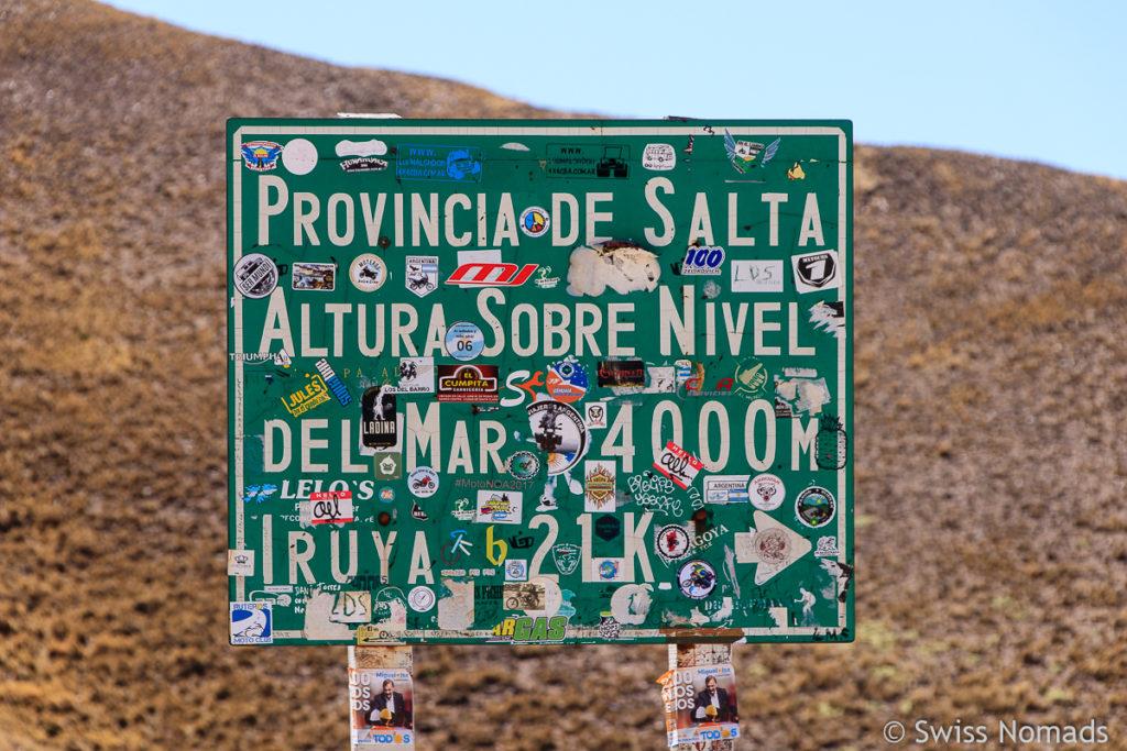 Passhöhe mit der Provinzgrenze Jujuy und Salta