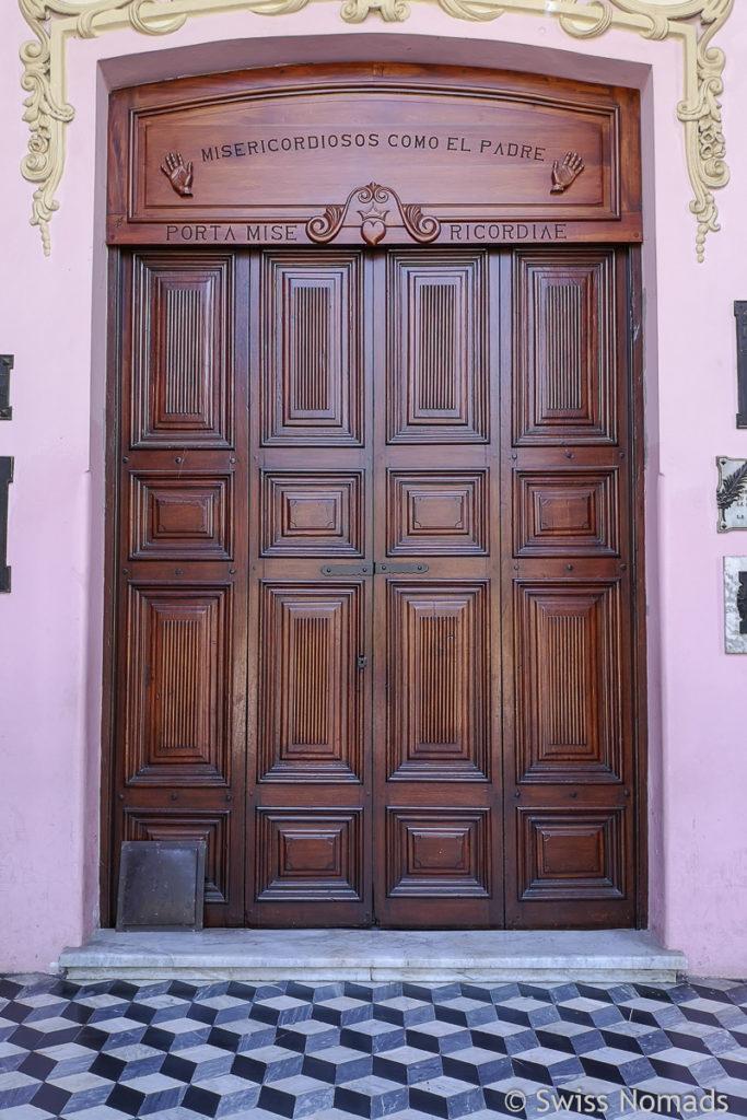 Tür der Catedral Basilica de Salta
