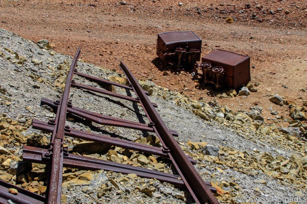 Alte Schienen und Transport Wagen