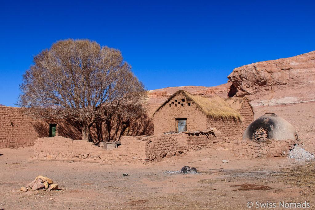 Lehmhaus in der Puna Argentinien