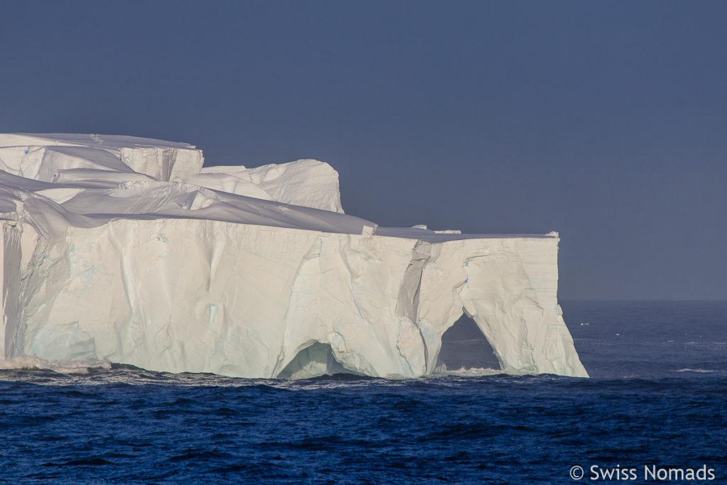 Antarktis riesiger Eisberg
